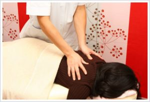 品川区腰痛専門のハートリィ整体院腰痛 取材風景2